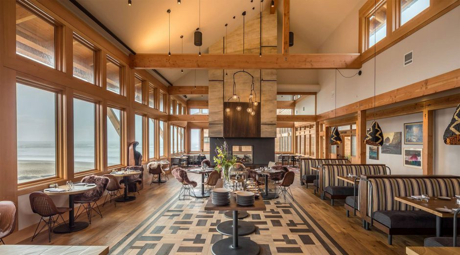 Meridian Restaurant and Bar at the Headlands Coastal Lodge and Spa